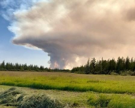 Жителей села Сватай отделяет от огня всего 700 метров