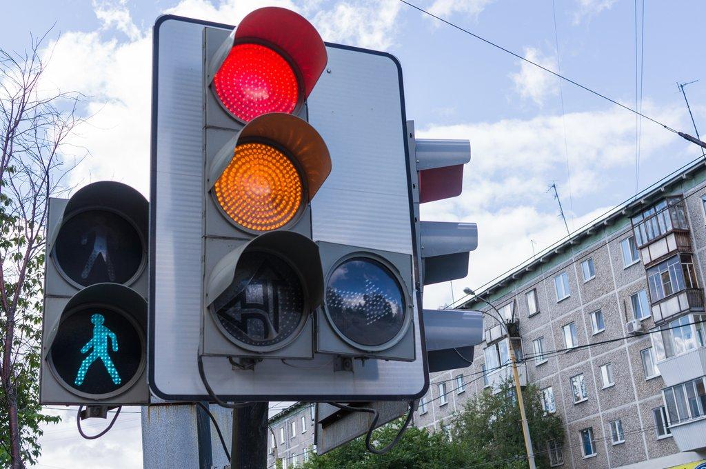 В Якутске внесены изменения в работу светофоров на трех перекрестках