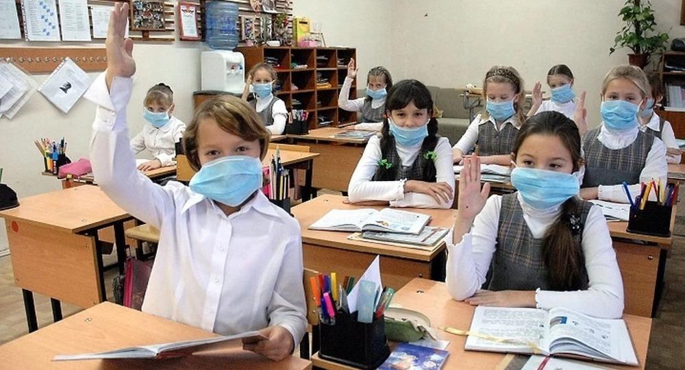 Алексей Семенов рассказал о работе школ и детских садов в период коронавируса