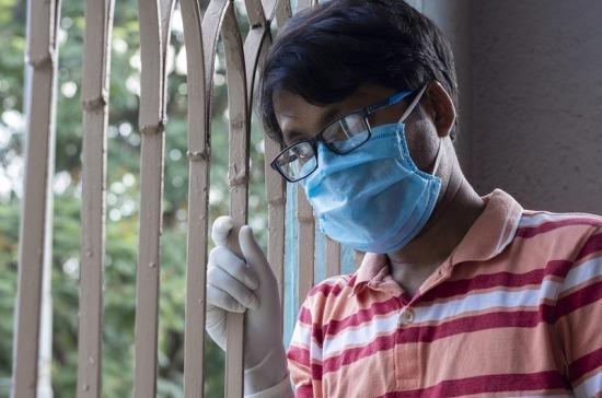 В Роспотребнадзоре заявили, что маска снижает вероятность заражения инфекциями в 1,8 раза