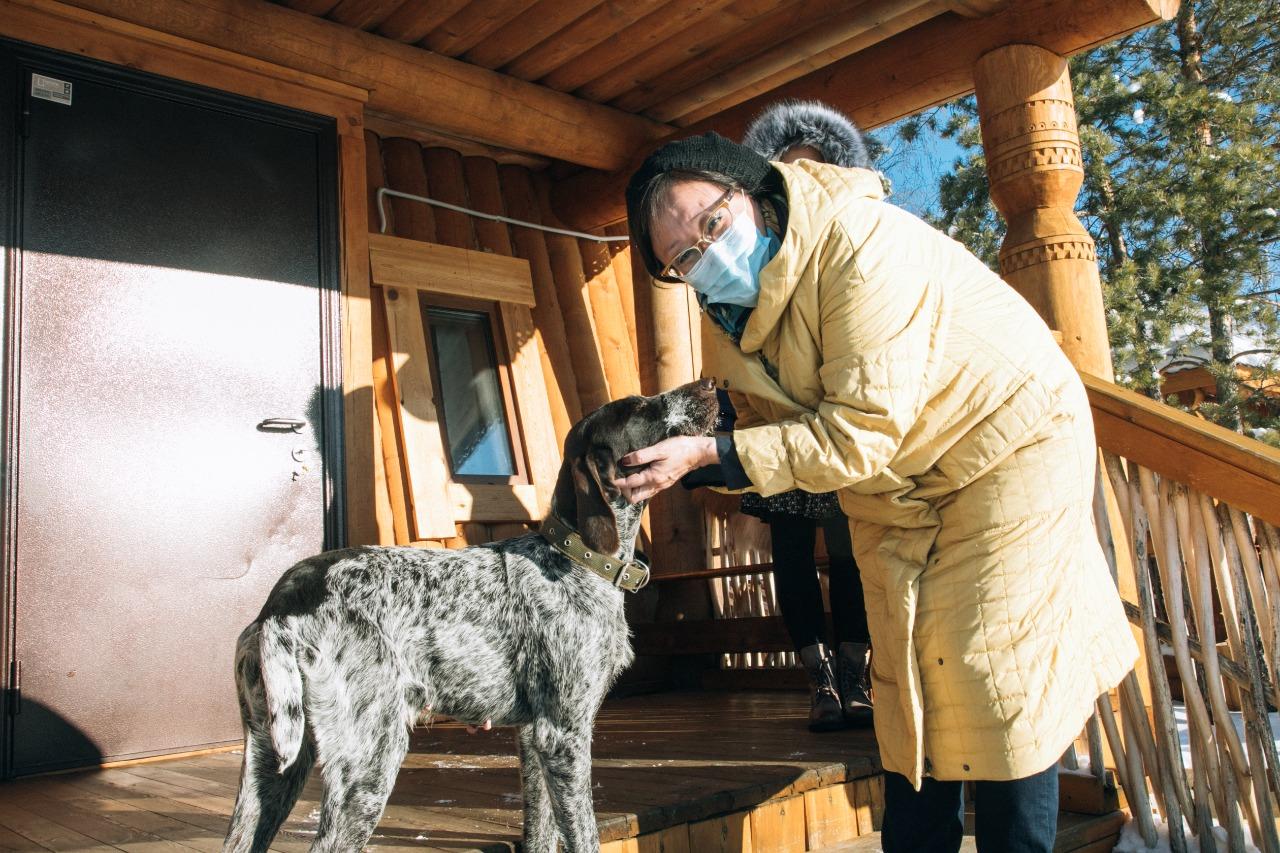 Сардана Авксентьева посетила пригородные животноводческие хозяйства