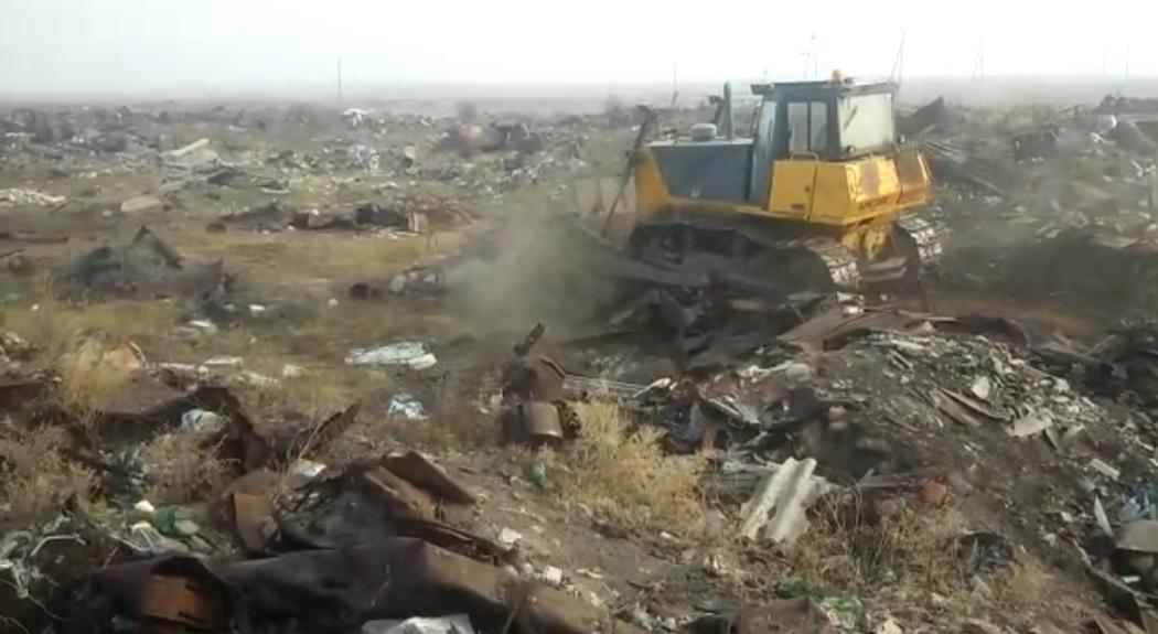 «Жилкомсервис» очистил земли села Хатассы от свалки мусора