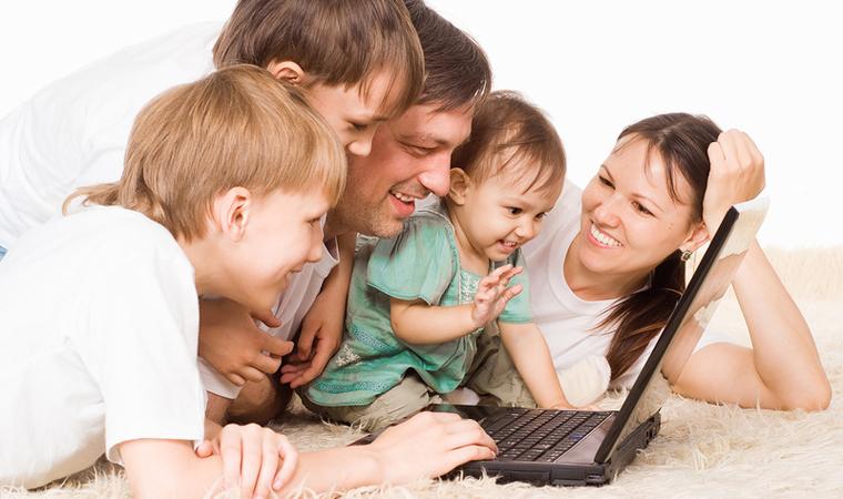 На ежемесячное пособие на детей в возрасте от 0 до 16 лет для малоимущих семей разработан упрощенный порядок перерегистрации