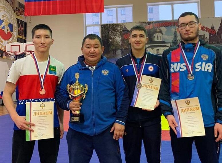 Якутские борцы в числе призеров первенства России