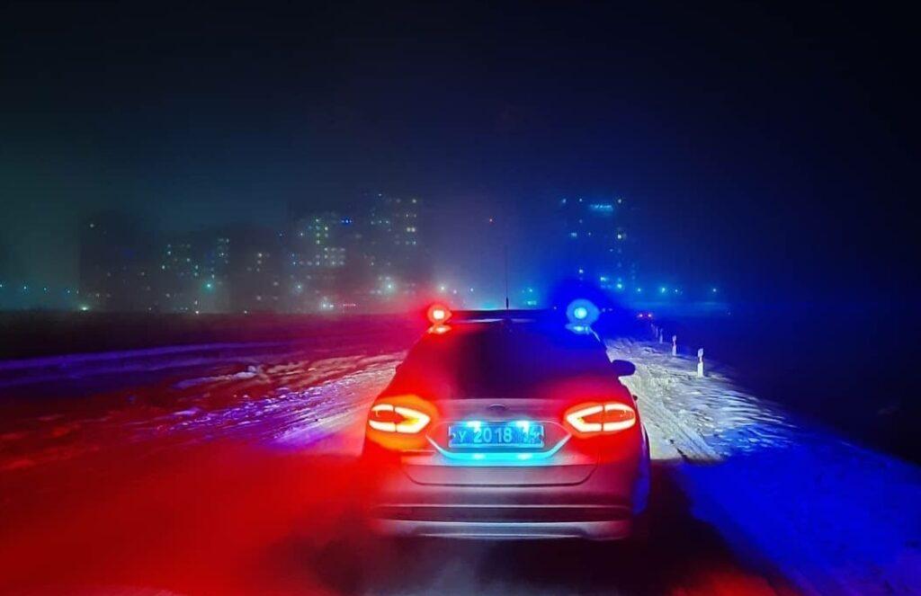 Госавтоинспекция Якутии просит водителей быть внимательными в условиях тумана и гололеда