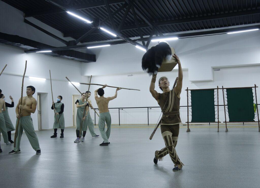 Национальный театр танца готовит для зрителей премьеру спектакля «Черная лиса»