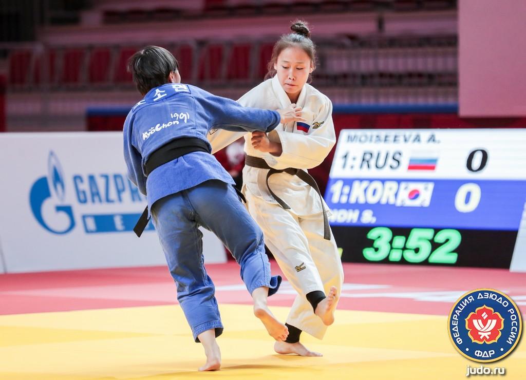 Четырнадцати якутянам присвоены звания мастеров спорта России