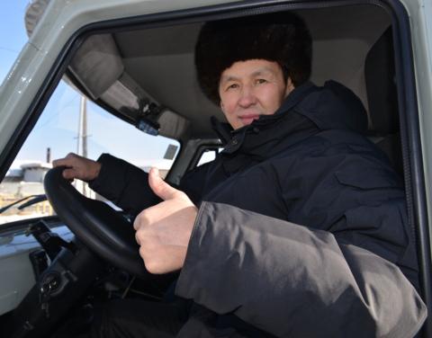 В Якутии пять многодетных семей, имеющих 10 и более детей смогли приобрести автотранспорт на основе социального контракта