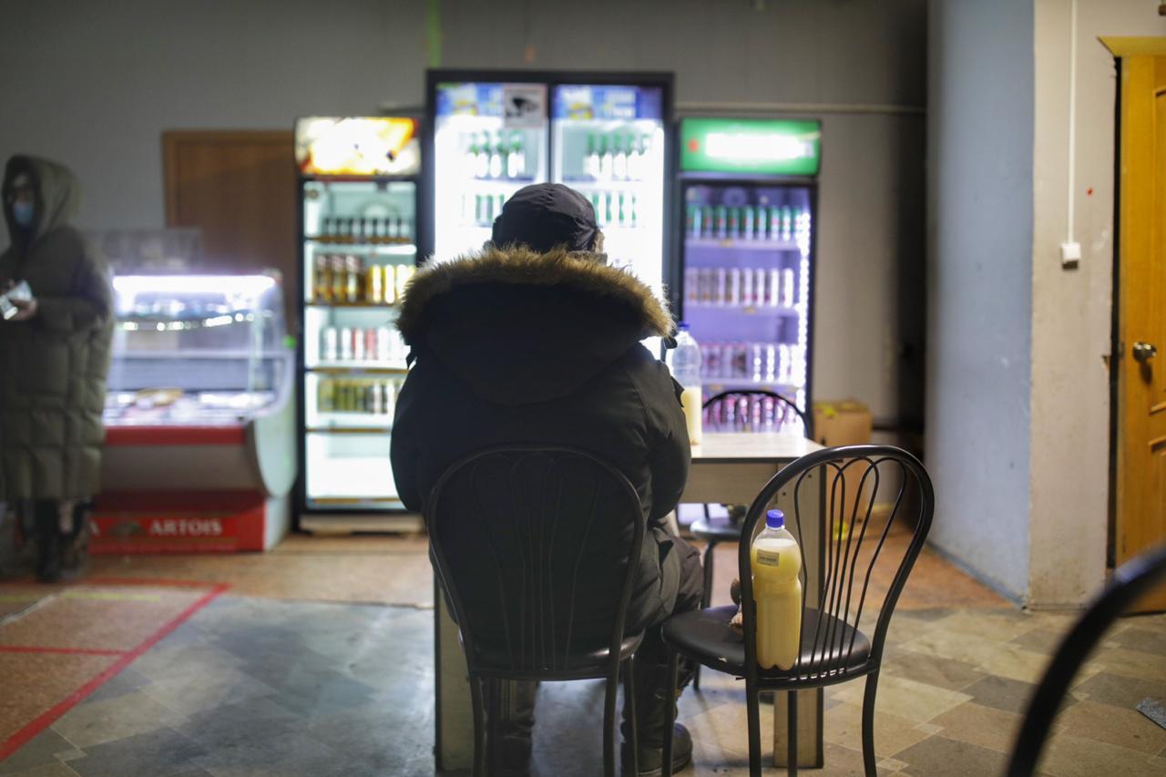 В Сайсарском округе выявлены нарушения по незаконной продаже алкоголя