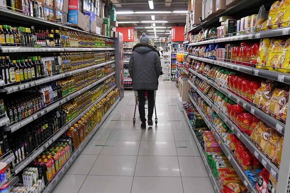 Налоговая служба проконтролирует цены на базовые продукты