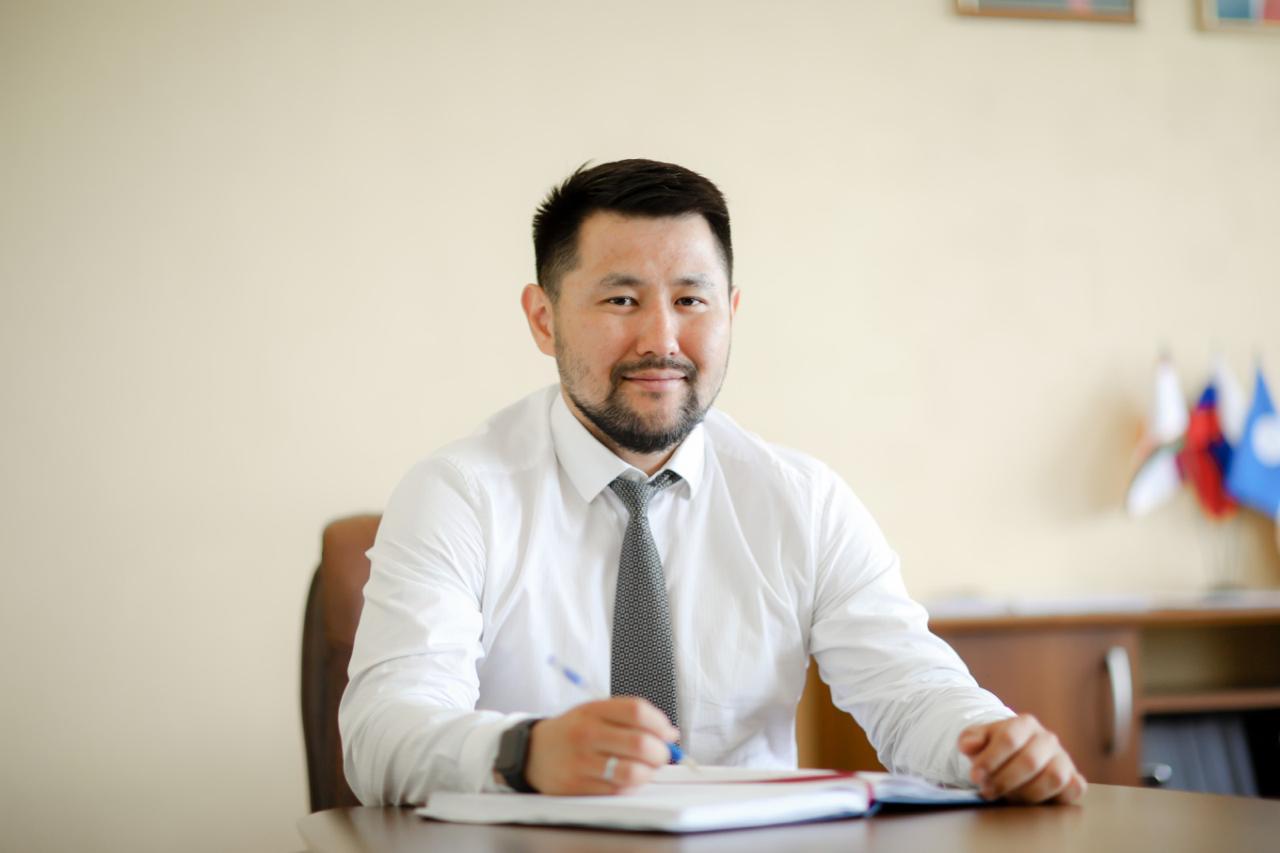 Евгений Григорьев поздравляет с Днем российского студенчества