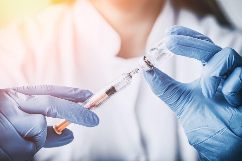 Инфекционист обозначила сроки улучшения ситуации с COVID-19 в мире