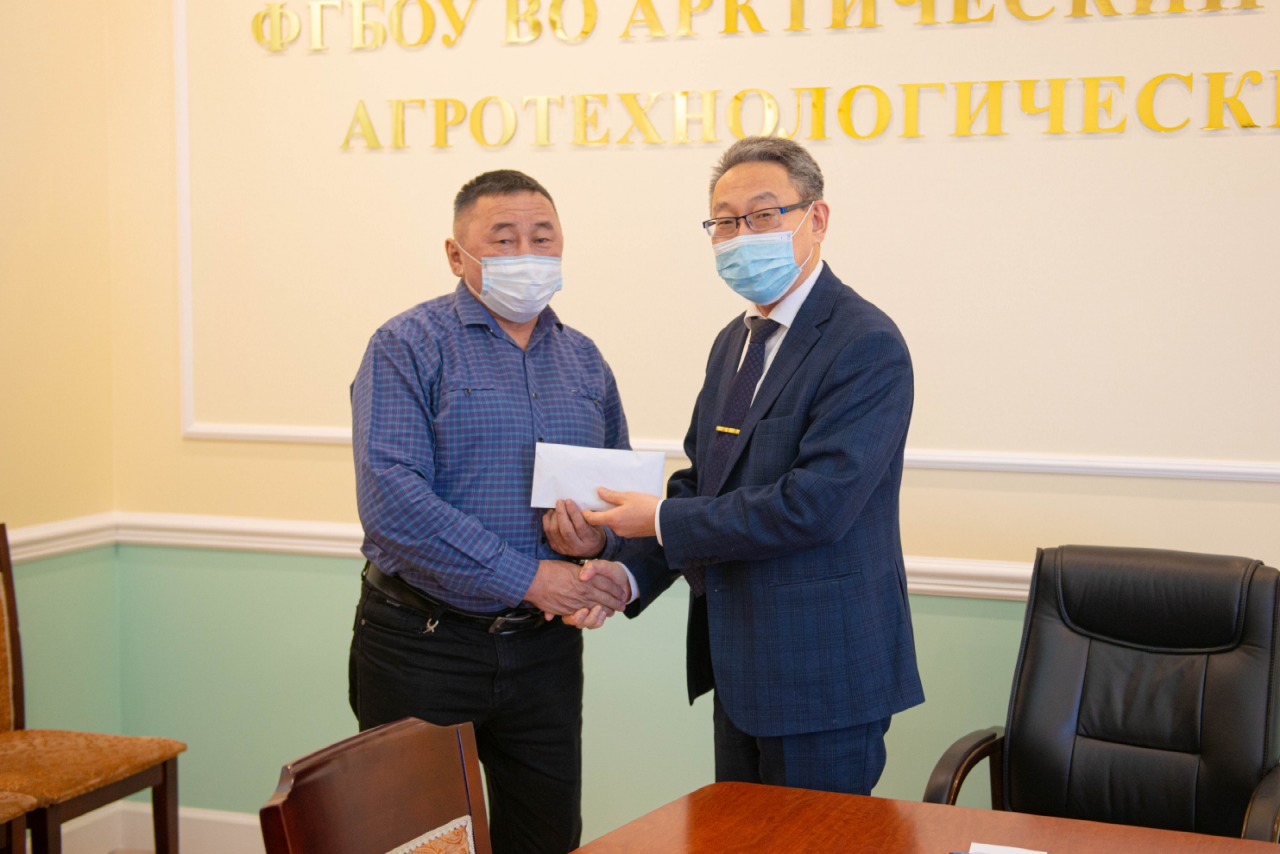 Сотрудники АГАТУ оказали помощь конезаводу «Берте»