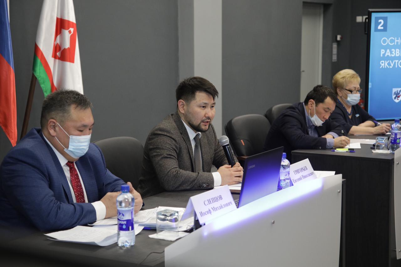 Новые дороги и спортплощадки продолжат строить в Гагаринском округе Якутска