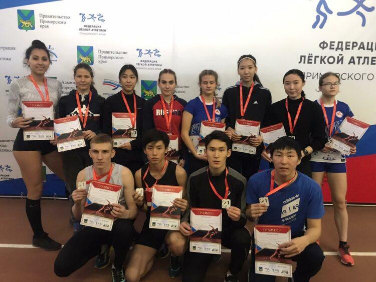 Якутские легкоатлеты завоевали 33 медали первенства и чемпионата ДФО