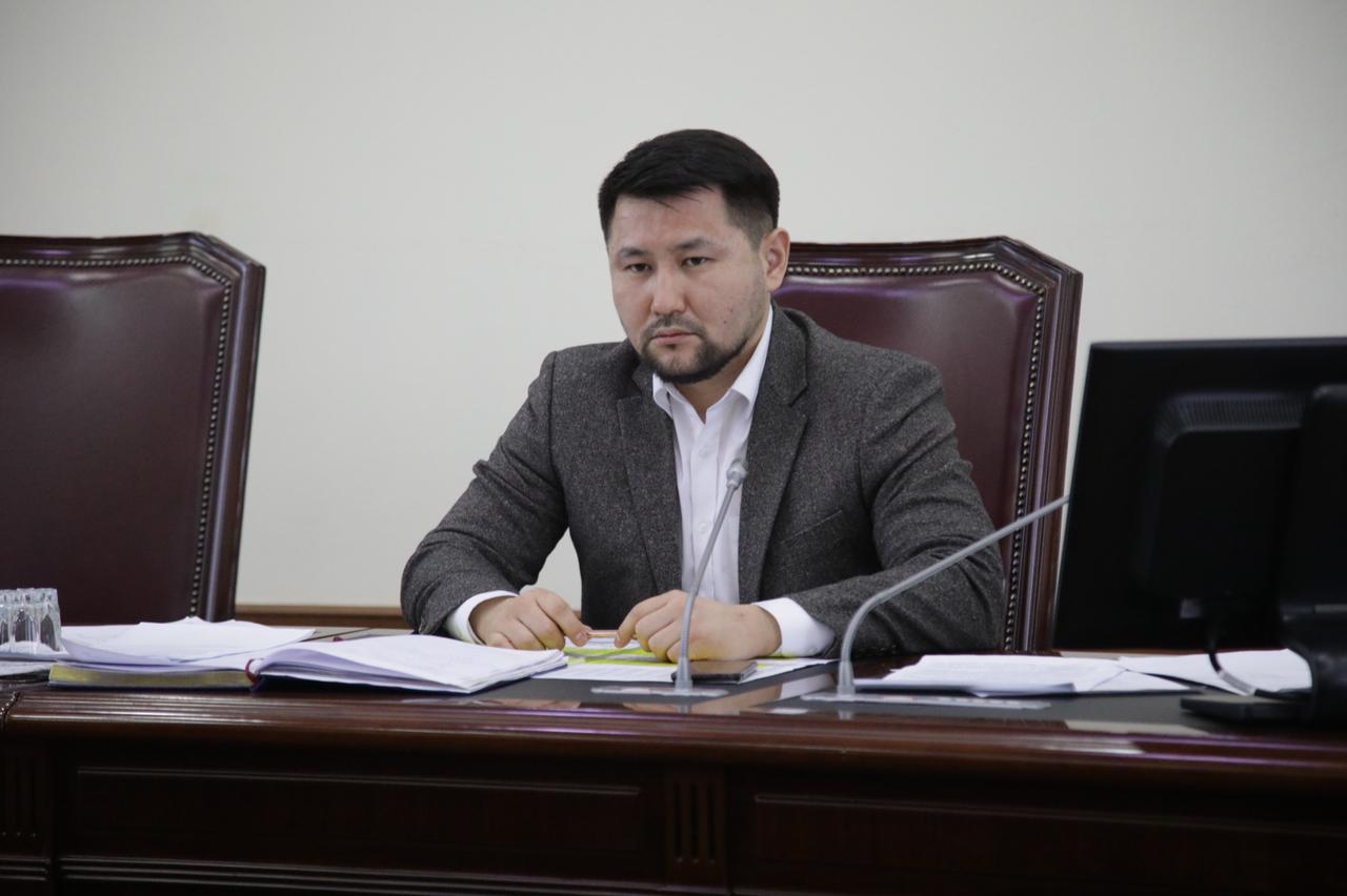Евгений Григорьев провел совещание с директорами городских маршрутных автобусов