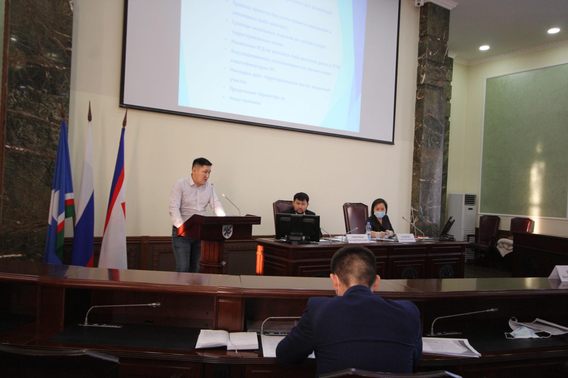 Евгений Григорьев обсудил с застройщиками Якутска планы по жилищному строительству