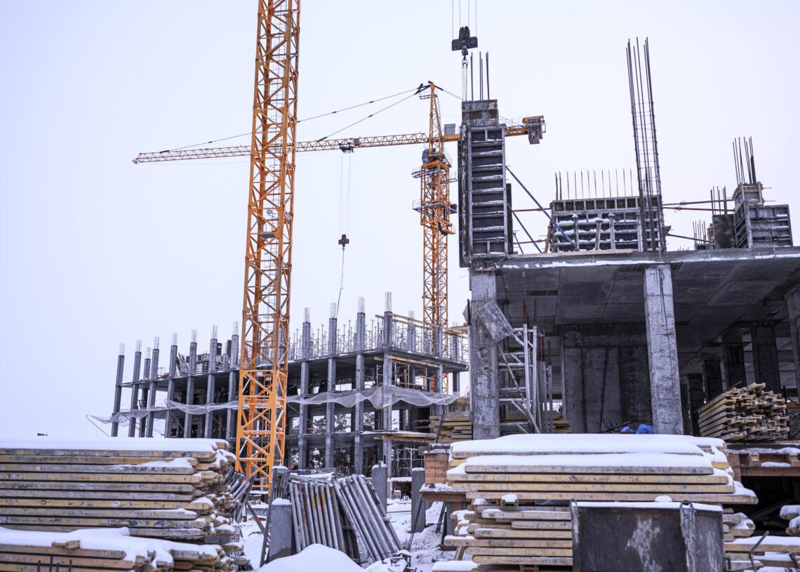 Более 70 объектов здравоохранения планируют построить в Якутии до 2025 года