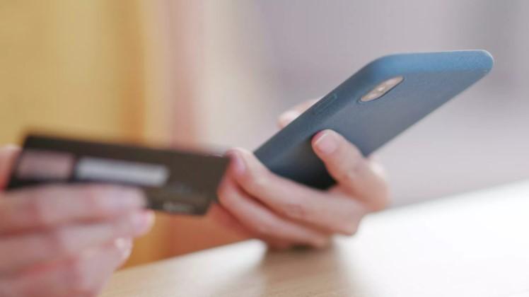 Названы два повода для блокировки карты после звонка мошенников