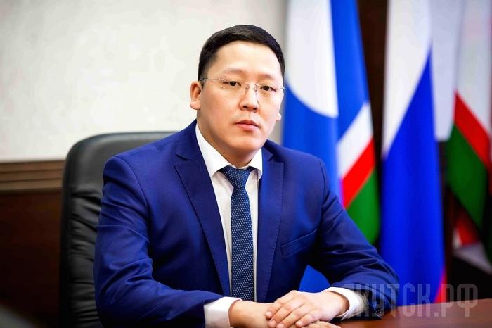 Руслан ПЛАТОНОВ ответил на вопрос верхоянцев о законности премирования глав МО