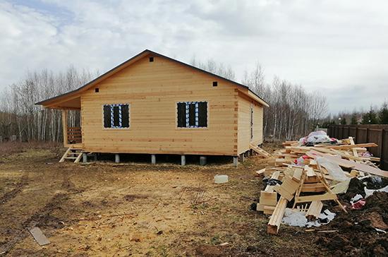 Многодетным предлагают выделять субсидии на погашение ипотеки под строительство