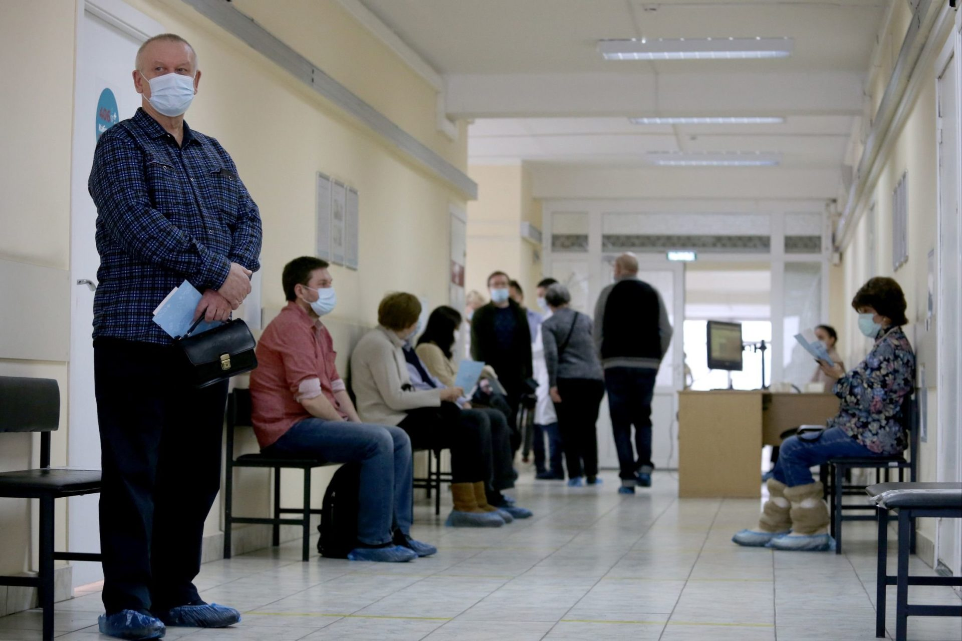 Граждане старше 60 лет включены в приоритетную группу при вакцинации