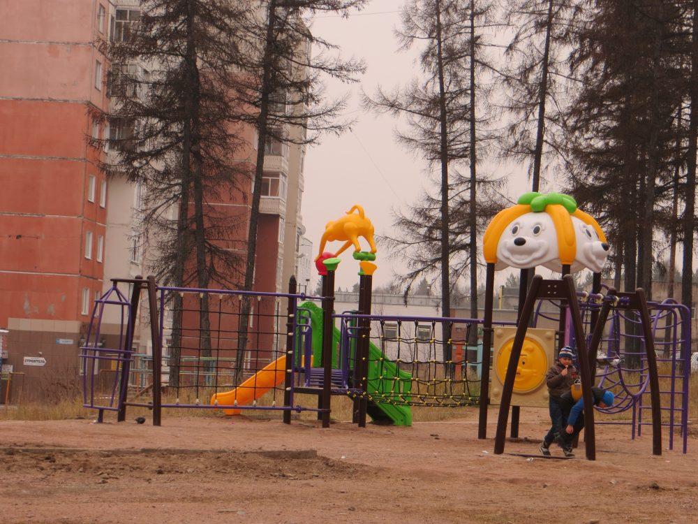 В Якутске по трехлетнему плану начинается работа по благоустройству дворовых территорий