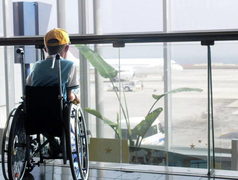 Детям-инвалидам будут оплачивать авиапроезд к месту лечения