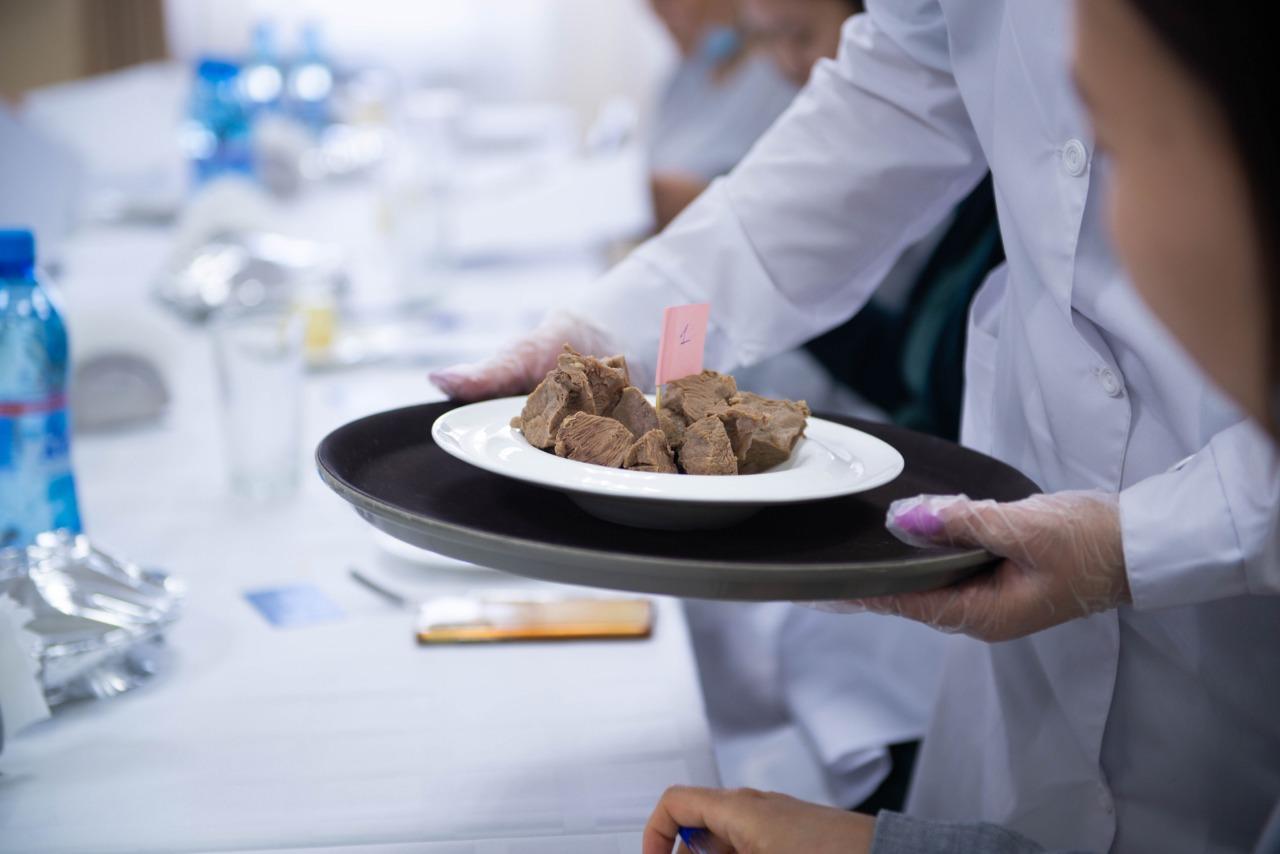 Эксперты провели дегустацию мяса