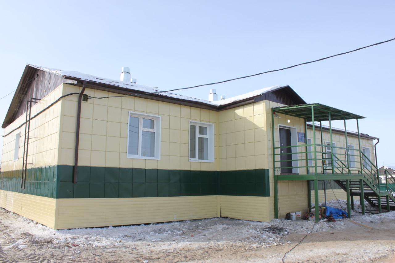 Компания «Железные дороги Якутии» оказала помощь в строительстве офиса врача общей практики в с. Кердем