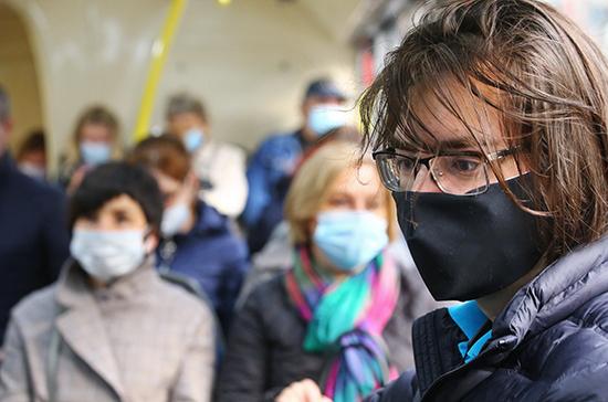 Коронавирус станет постоянным спутником человечества, считает китайский вирусолог