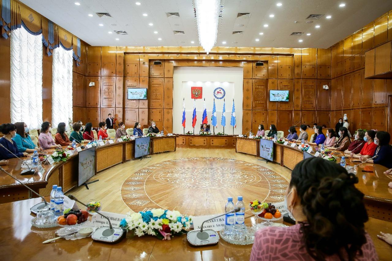 В Якутии 36 матерей удостоены знака «Материнская слава»