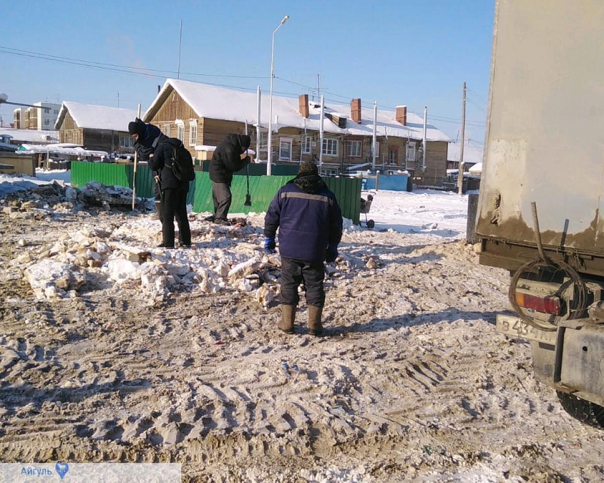Губинский округ лидирует по вывозу снега в рамках санитарного трехмесячника в Якутске