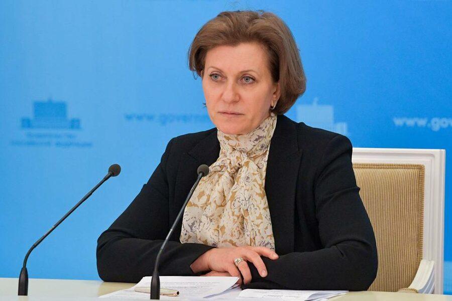 Попова: Переболевшие COVID-19 россияне заразиться британской мутацией уже не могут