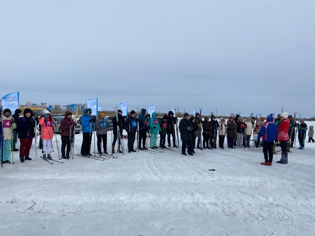 Медики РКБ №3 провели лыжные гонки в честь Года здоровья в Якутии