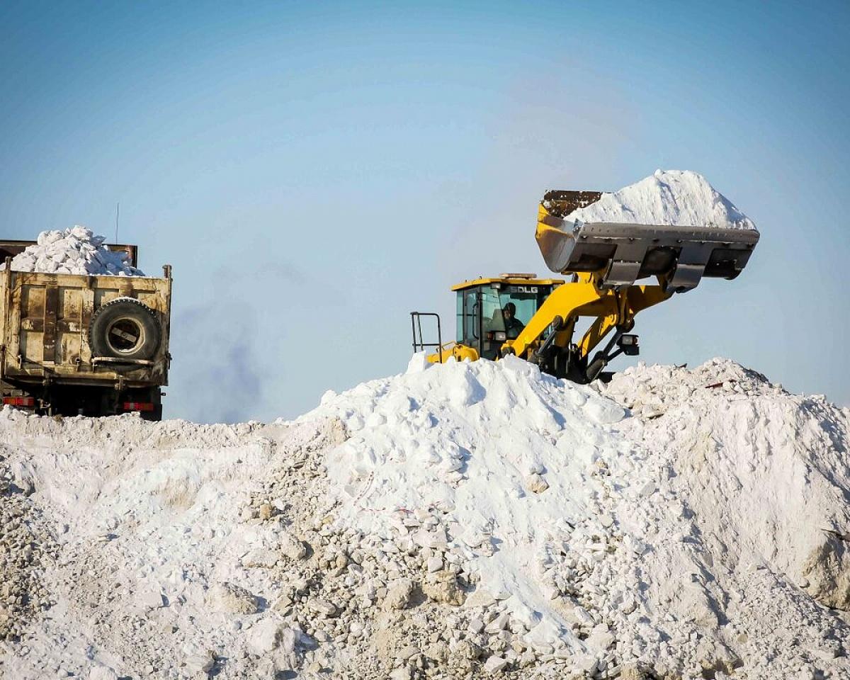 В Якутске продолжается ремонт Окружного шоссе и трехмесячник санитарной очистки