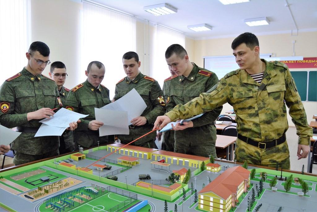 Якутян приглашают в высшие военные образовательные учреждения