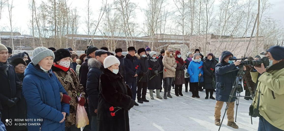 Сотрудники АГАТУ приняли участие на открытии мемориальной доски Айаалу Степанову