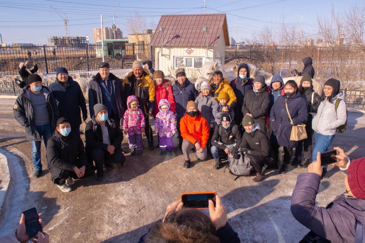 Конные путешественники приехали в Якутск
