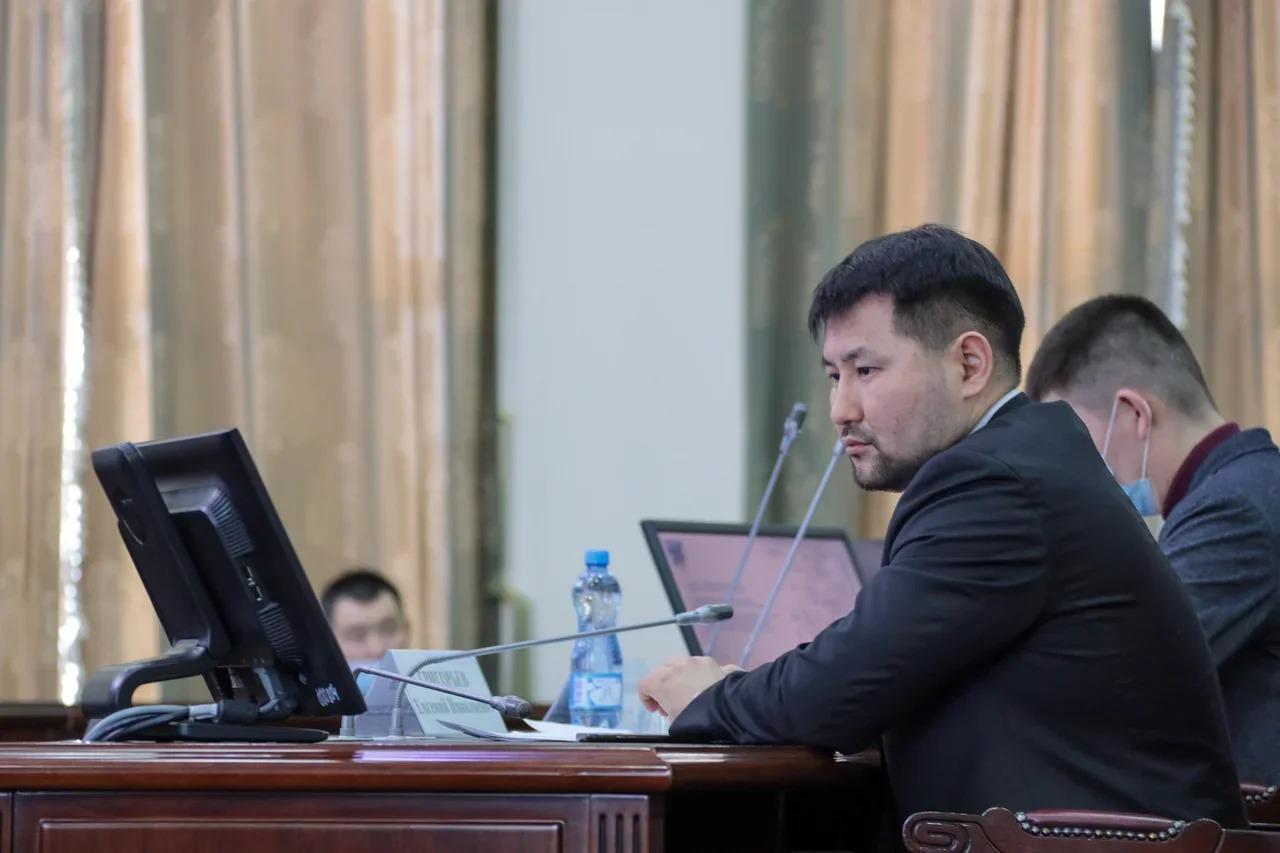 «Учесть недочеты и использовать накопленный опыт»: Евгений Григорьев обсудил с дорожниками планы работ на текущий год
