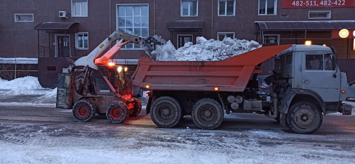 Противопаводковые мероприятия и уборка снега 18 апреля