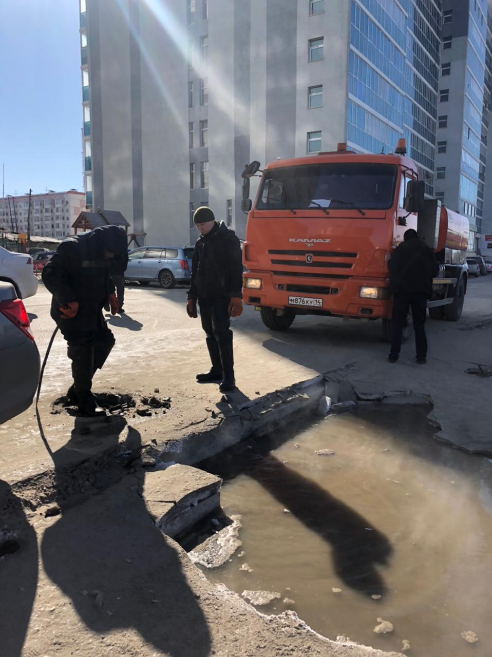 Аварийная ситуация по ул. Короленко, 25 оперативно устранена