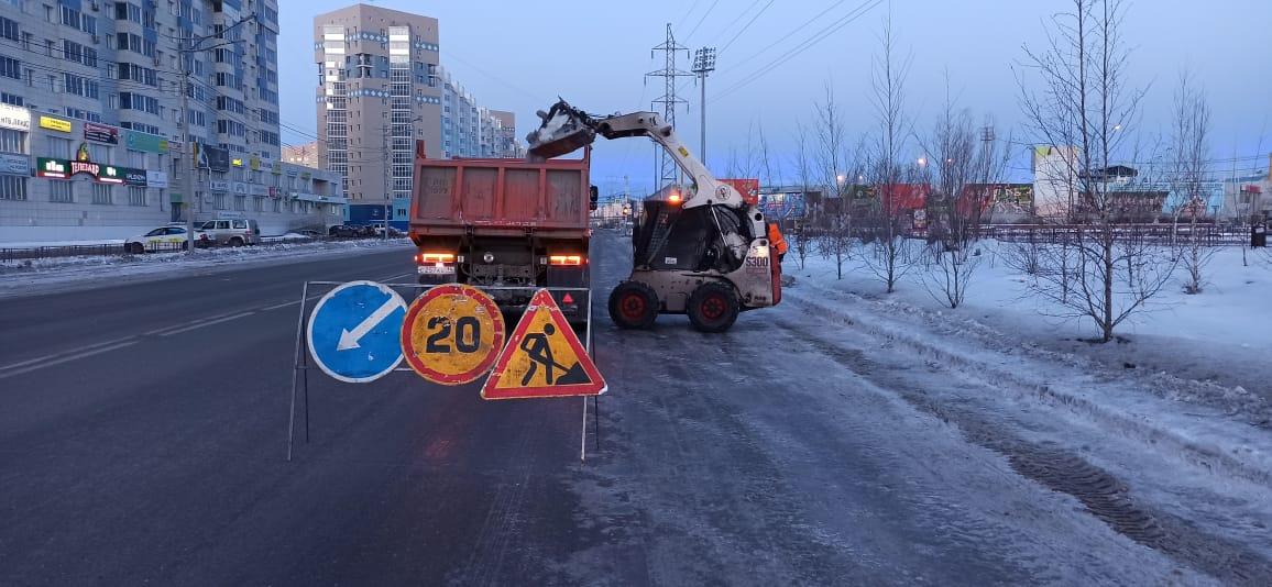 Более 21 тысячи кубометров снега вывезли в Якутске после аномального снегопада