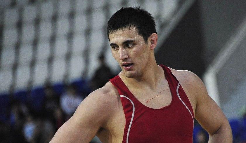 Айаал Лазарев будет бороться за олимпийскую путевку