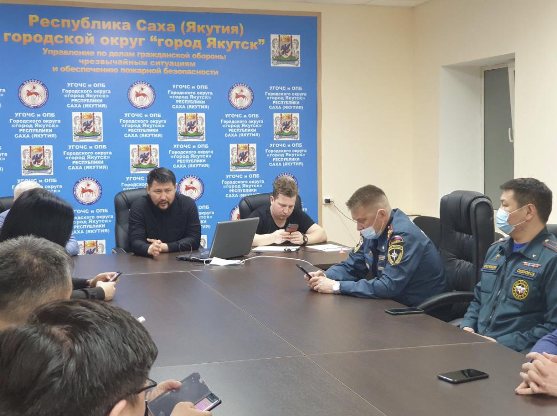 Евгений Григорьев провел заседание КЧС по вопросам ликвидации последствий аномального снегопада