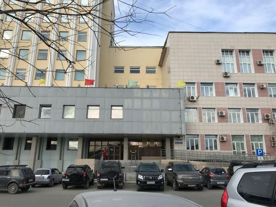 Две управляющие компании в Якутии лишились лицензий