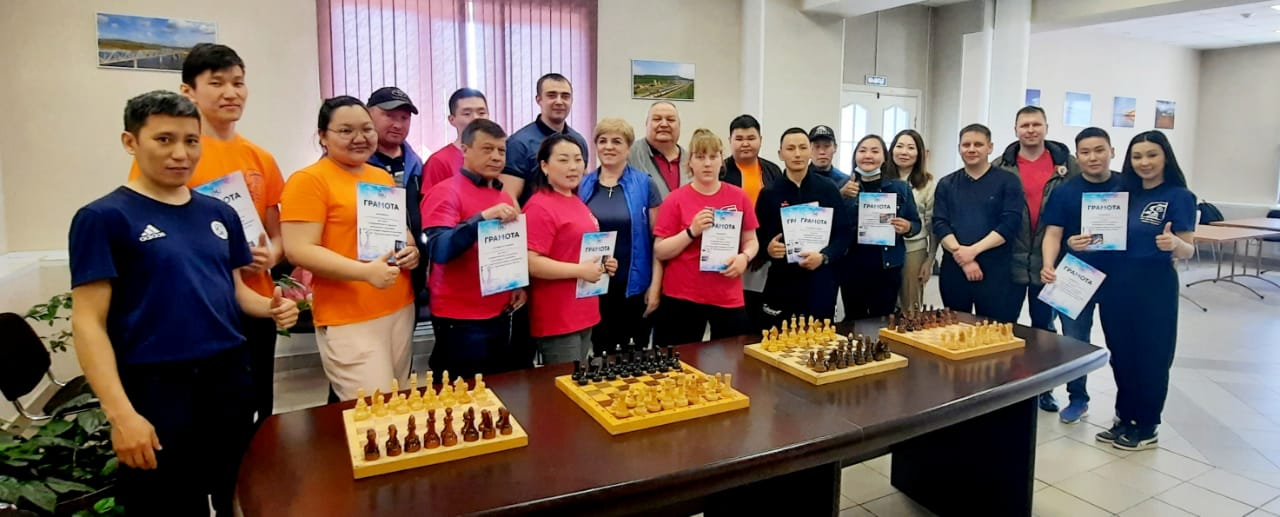 В ЖДЯ состоялся турнир по шахматам и шашкам