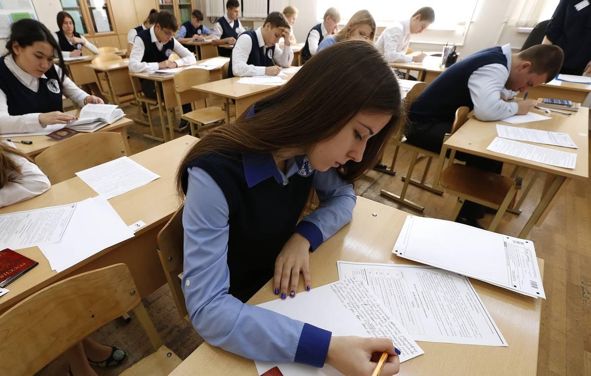 Глава Минобрнауки призвал студентов не ограничиваться обучением в вузах