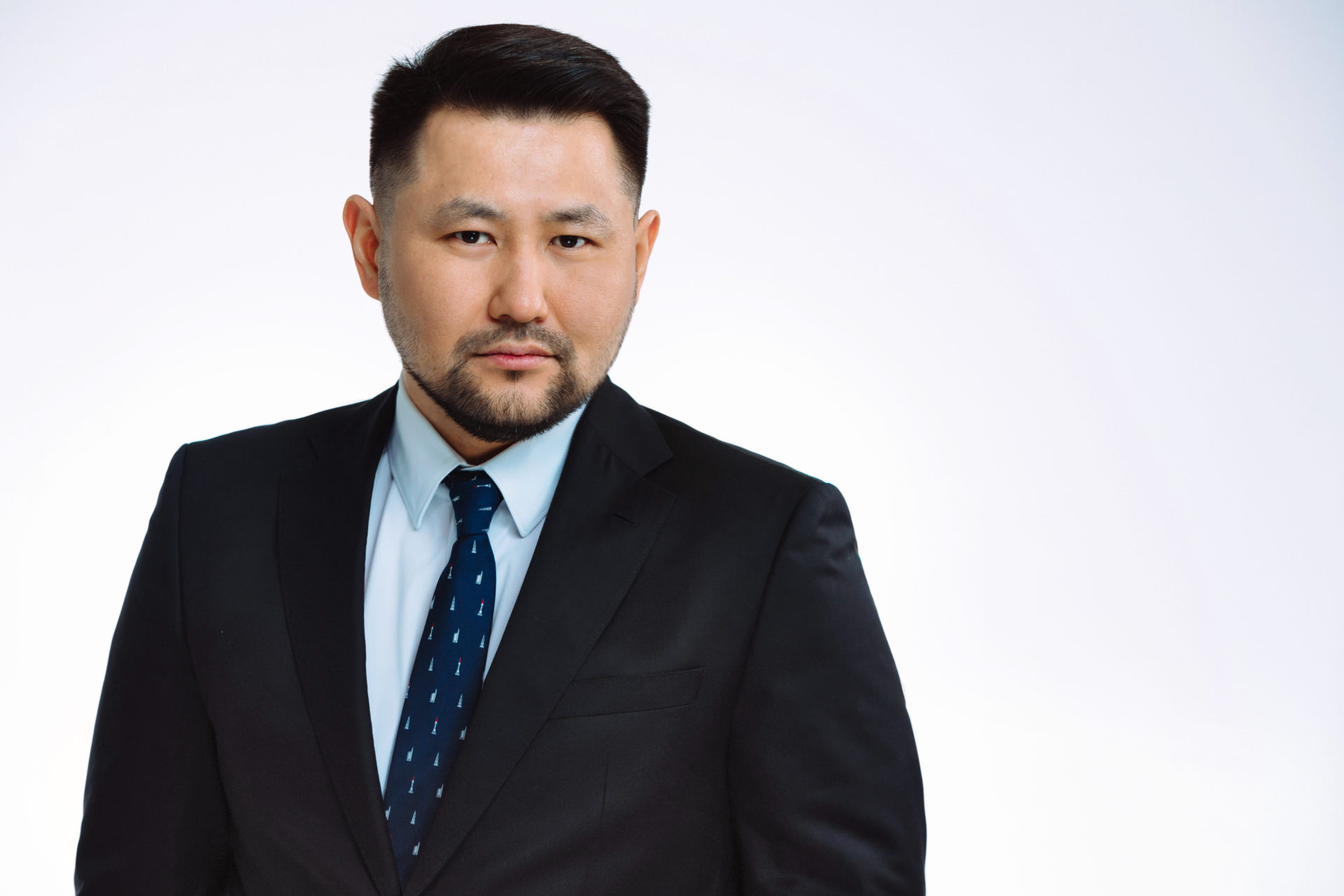 Евгений Григорьев поздравляет с Днем Победы