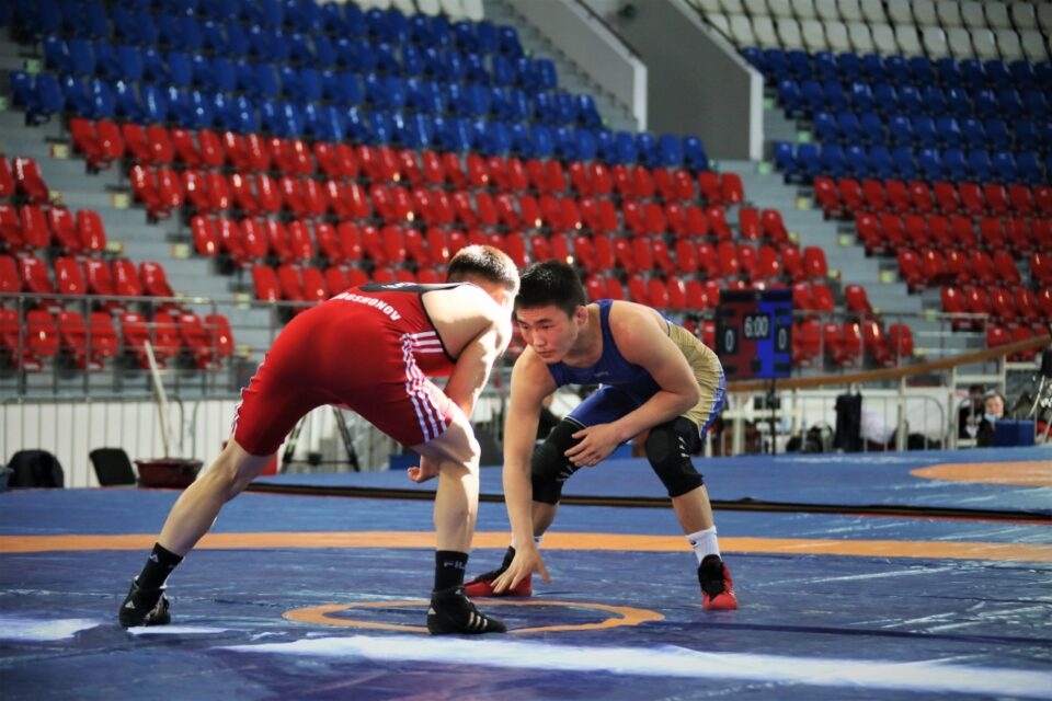 Якутские борцы завоевали золотые медали турнира Романа Дмитриева